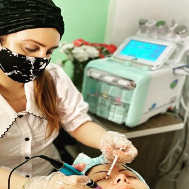 فیشیال تخصصی و کابین درمانی صورت